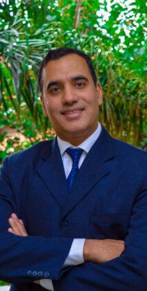 Dr. Akil Fazal